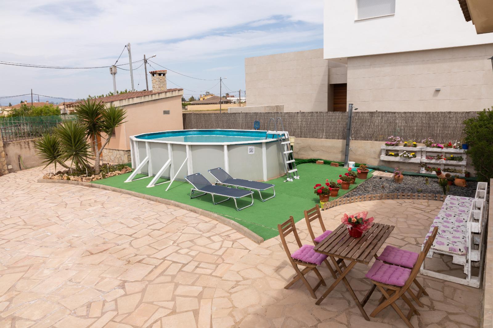 Casa adosada -                                       Deltebre -                                       3 dormitorios -                                       5 ocupantes